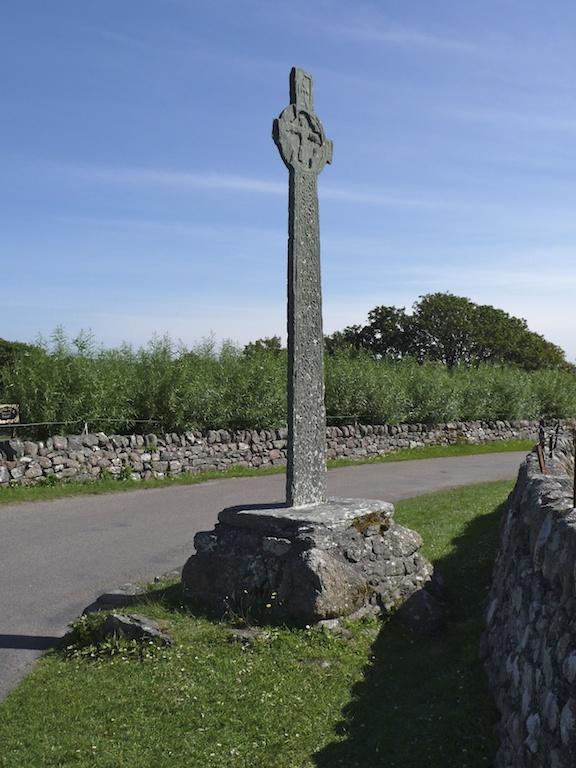 Maclean's Cross