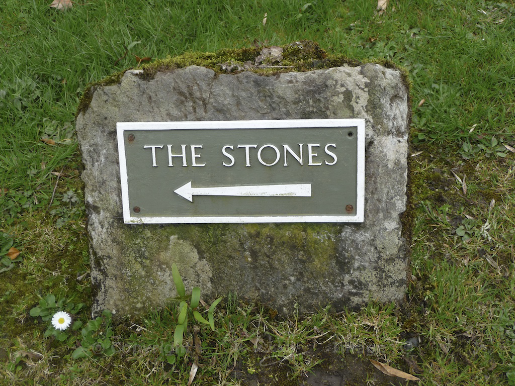 Sign to the stones