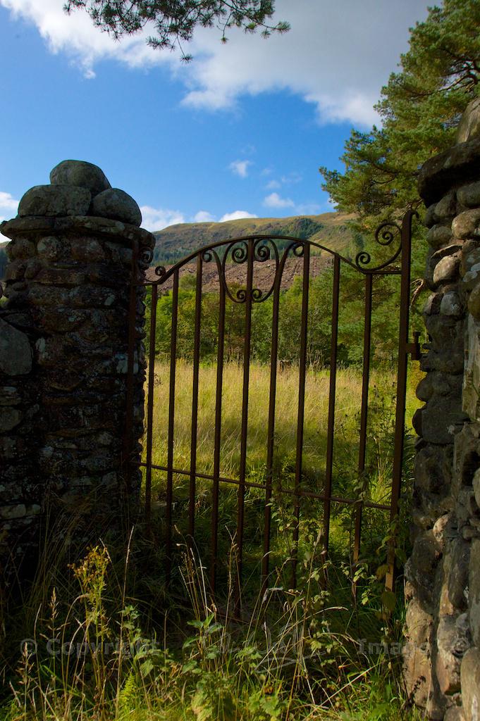 Gate into Callander graveyard