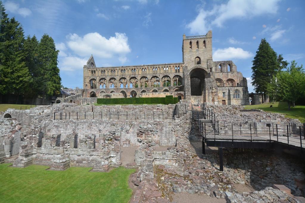 Jedburgh Abbey (1)