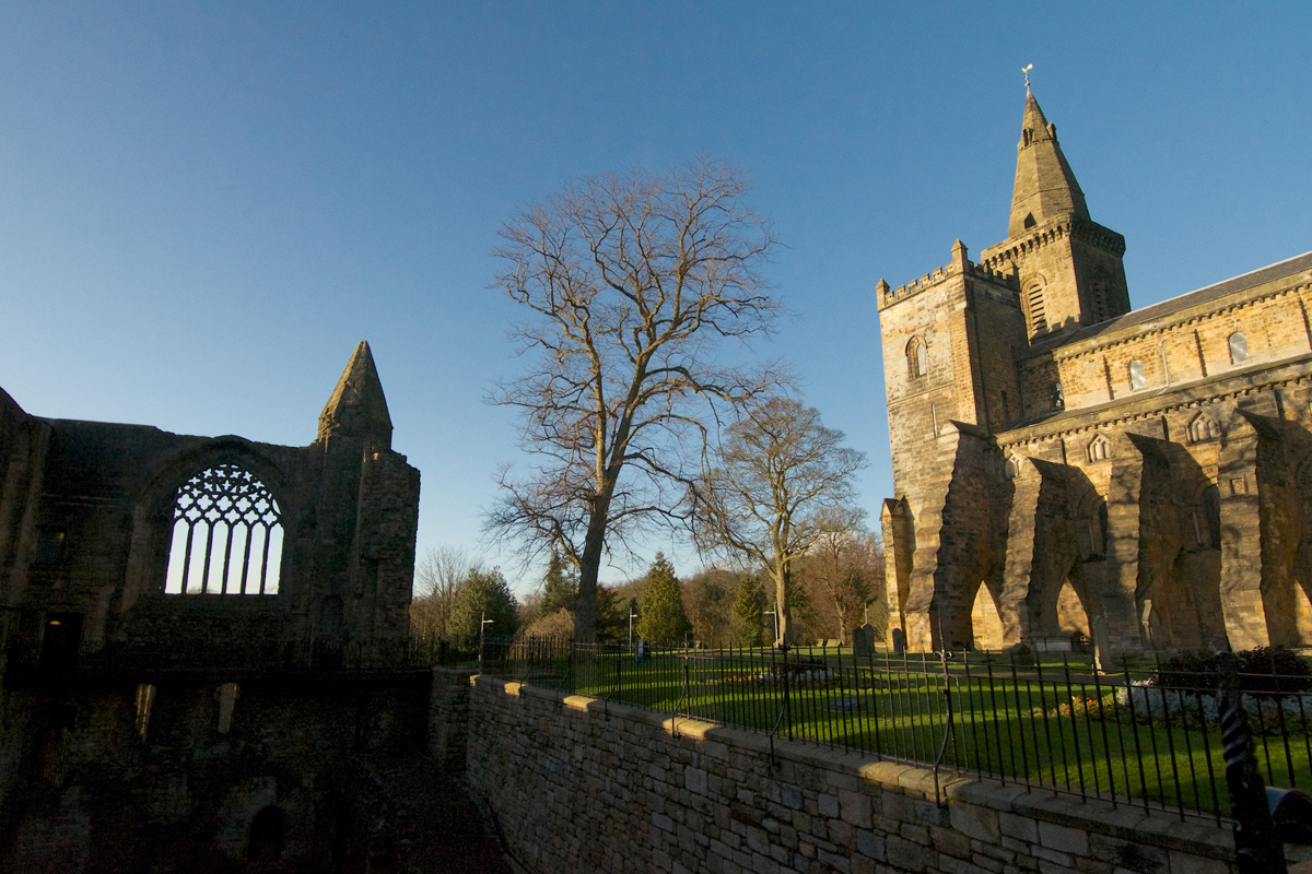 Dunfermline Abbey and west window (1)