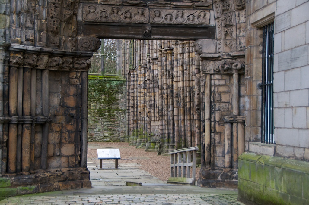 Holyrood Abbey (J) 44